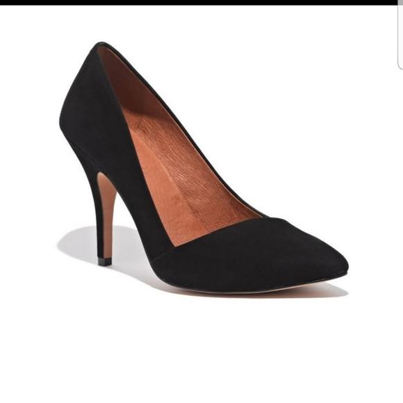 Mira Black Suede Heels Sz 6 Style 09354